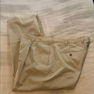 Men's Orvis light khaki pants 42x30 pleated 5pkt